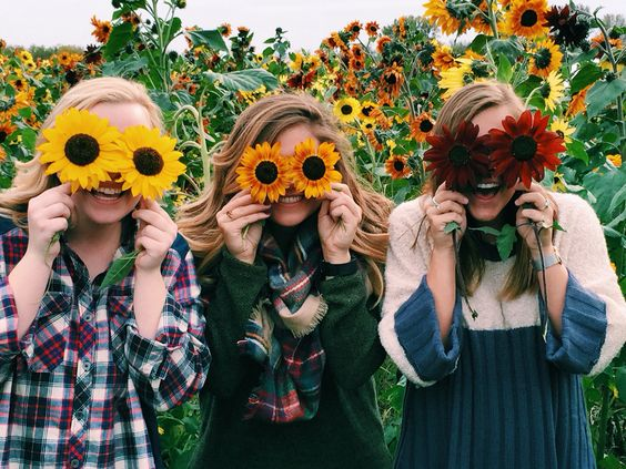 Fun Photo Shoot Ideas for a Group of Friends